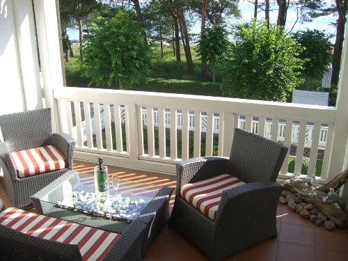 Balkon mit Blick auf Promenade & Ostsee