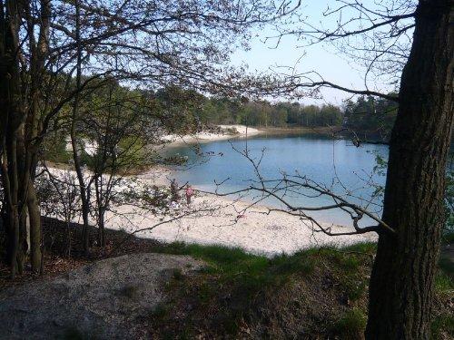 Der kristallklare See.