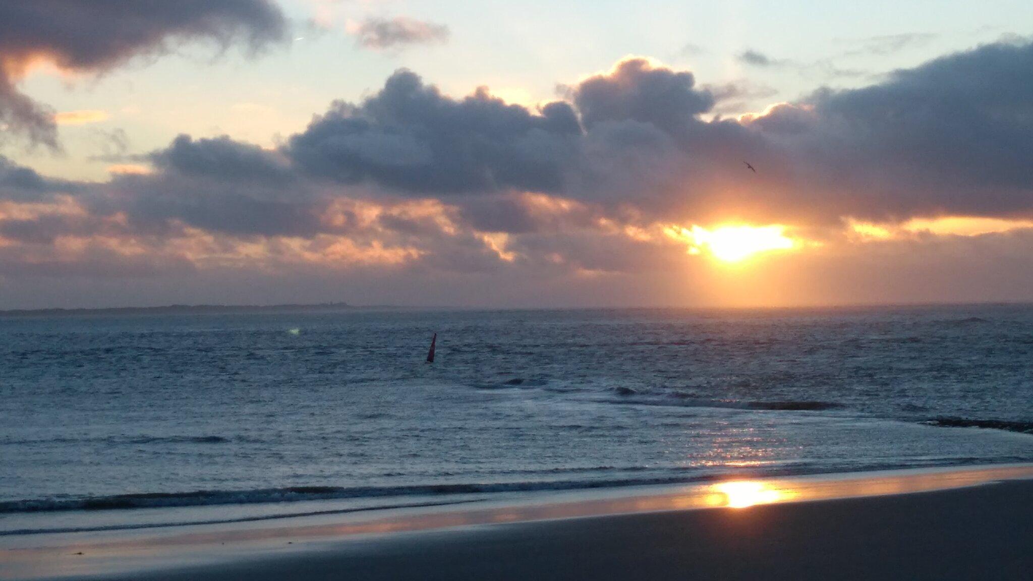 Sonnenuntergang an der Strandpromenade