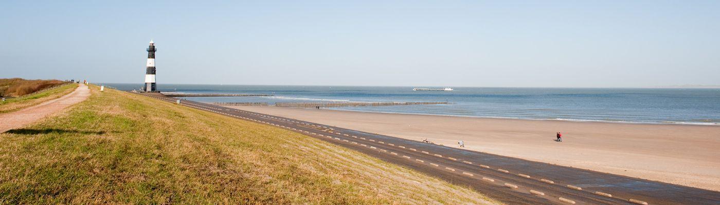 zeeuws vlaanderen nordsee strand leuchtturm