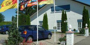 Gästezimmer in Kippenheim R.Müller, Dreibettzimmer mit Dusche und WC in Kippenheim - kleines Detailbild