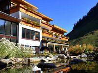 Alpenresort Walsertal - Das 4 Sterne Hotel 'Ganz oben', DZ mit Balkon in Fontanella-Faschina - kleines Detailbild