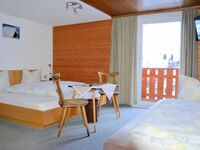 Pension Armella, Dreibettzimmer 1 in Damüls - kleines Detailbild