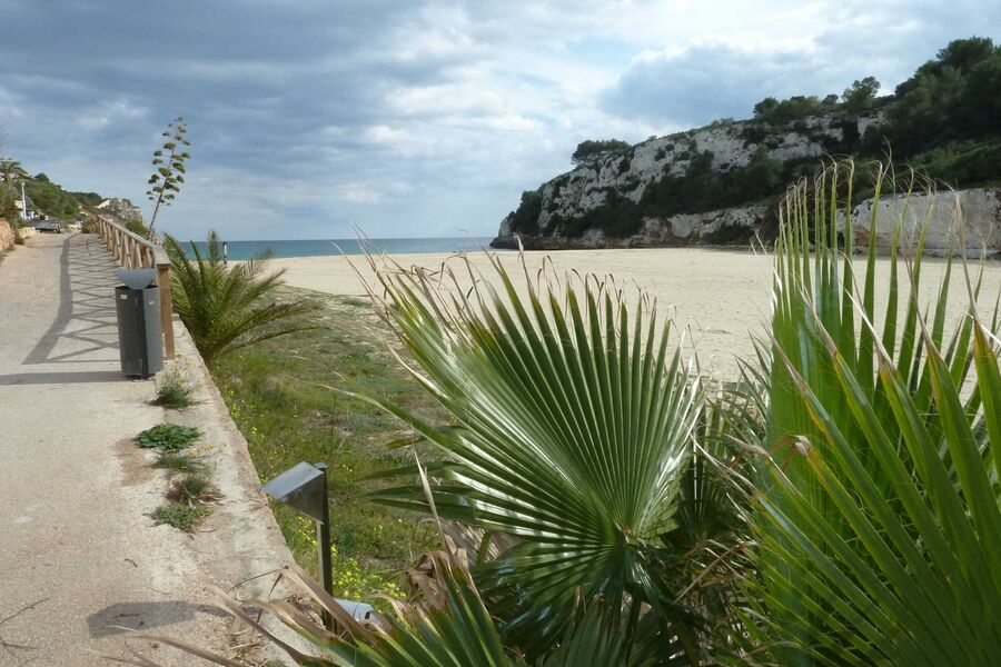 Strand Playa Romantica im Herbst