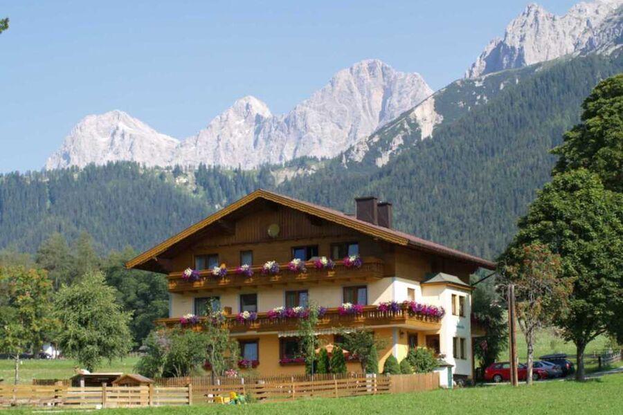 Ferienwohnungen Alpenecho, Ferienwohnung Enzian