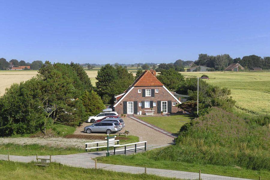 Unser schönes Landhaus direkt am Deich!