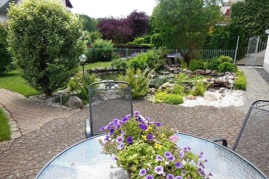 Gartenterrasse vor der Ferienwohnung