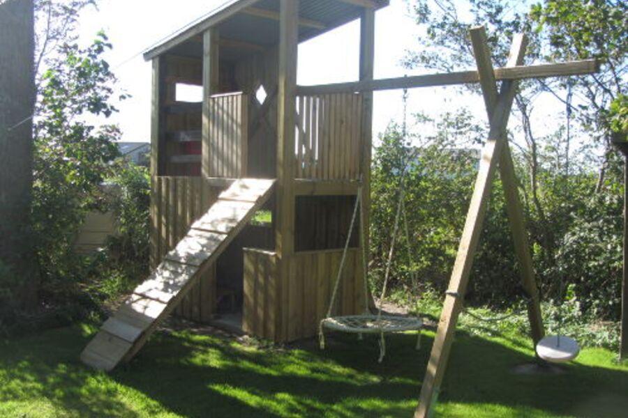 Spielturm für groß und klein