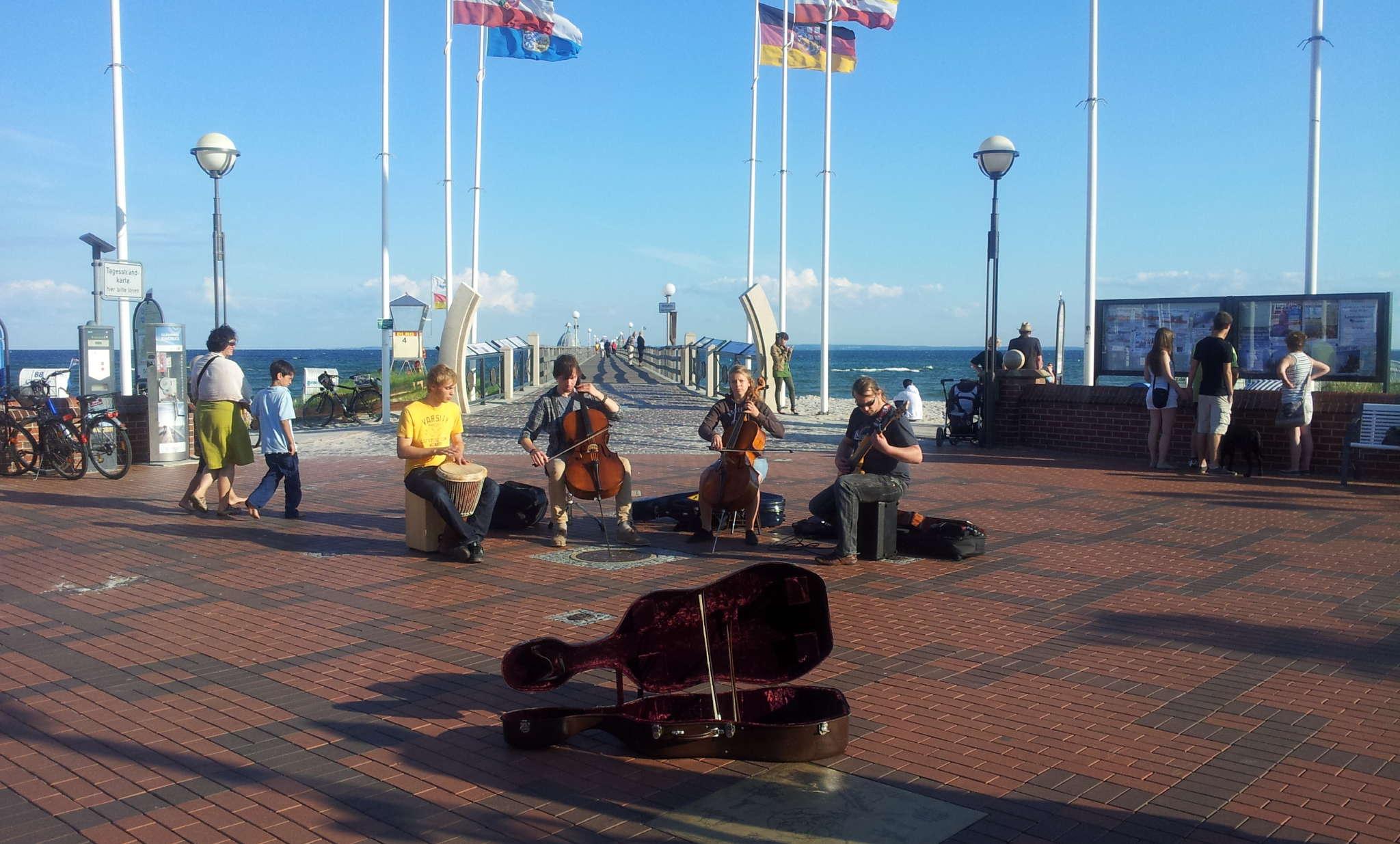 Straßenmusik Seebrücke Grömitz
