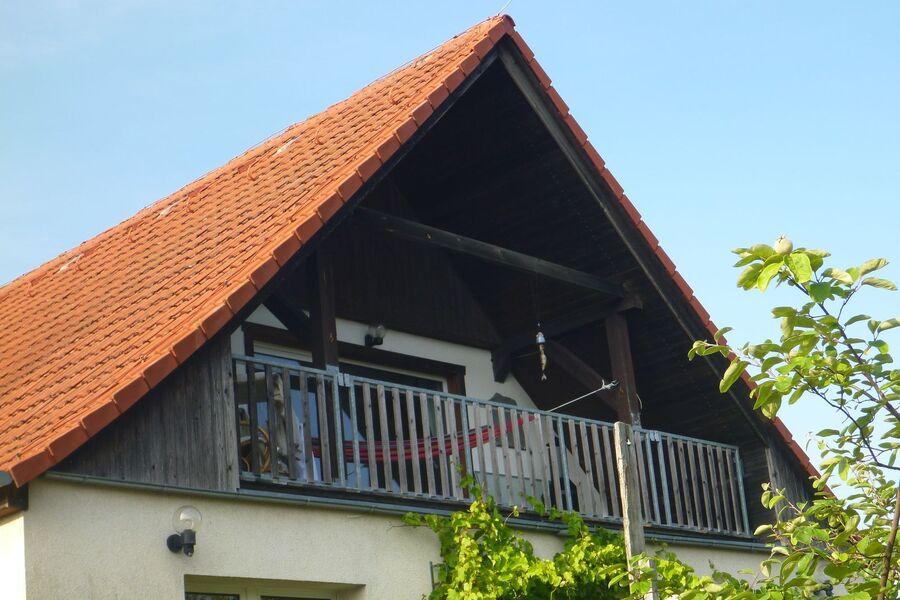 Außenansicht und Blick auf die Loggia