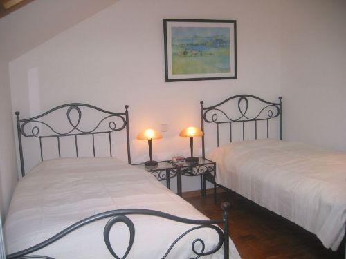 Einzelbett-Schlafzimmer