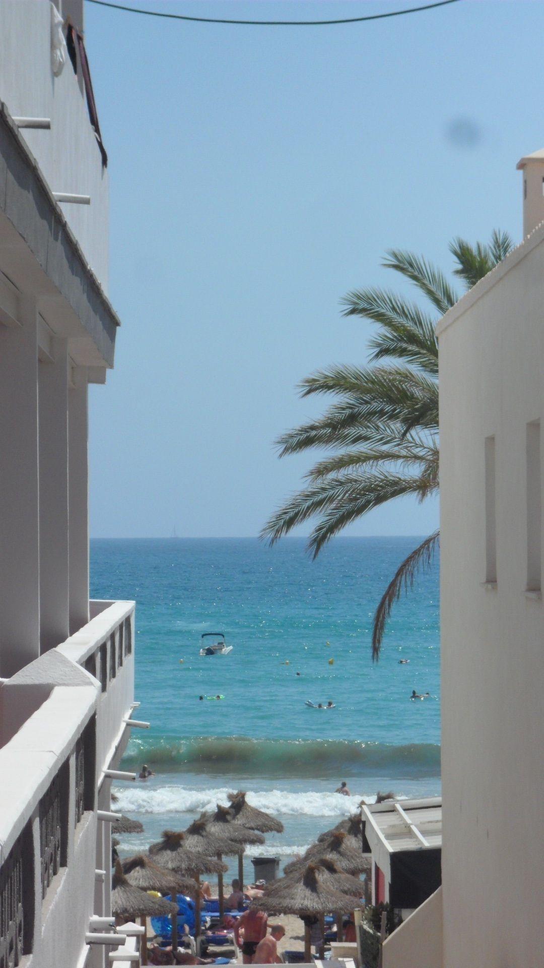 Blick vom Bulevar zum Strand