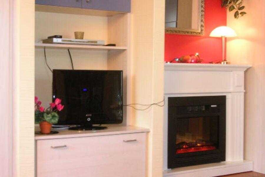Kaminecke und Flachbildfernseher