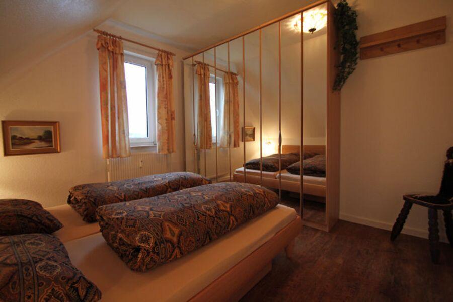 Erstes Schlafzimmer unten