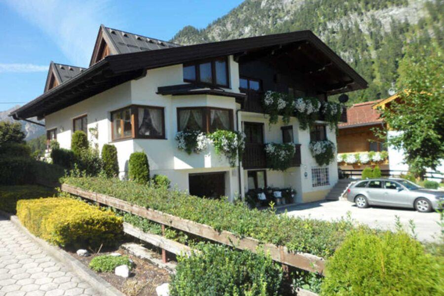 Hausansicht Sommer - Apartement Koller in Pertisau