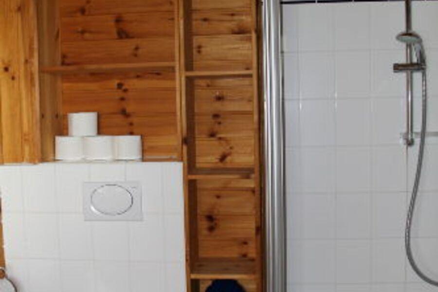 Bad unten WC und Dusche