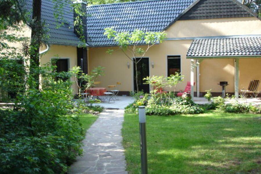 Eingang zum Gästehaus