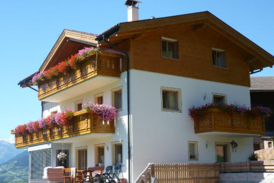 Neues Wohnhaus mit 3 Ferienwohnungen