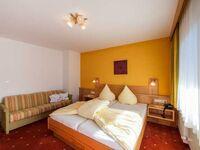 Garni RUSTIKA - Hotel Pension & Appartements, Dreibettzimmer Typ Zugspitze in Ehrwald - kleines Detailbild