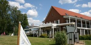 Ferienzentrum Yachthafen Rechlin GmbH, SchwanH in Rechlin - kleines Detailbild