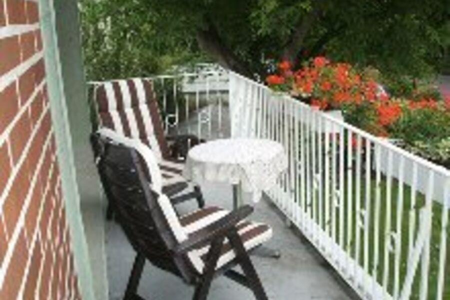 Sitzgelegenheit auf gemütlichen Balkon