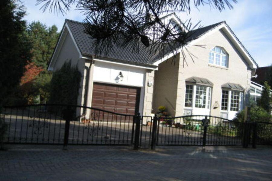 Straßenseite - Wohnzimmer