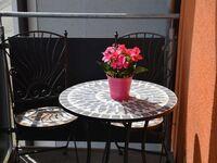 Ferienwohnungen Am Brunnen, Ferienwohnung III, für max. 6 Personen kleiner Raucherbalkon in Rheinhausen - kleines Detailbild