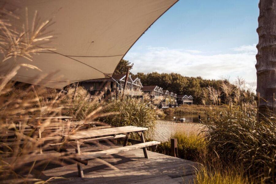 Blick auf die Uferhäuser