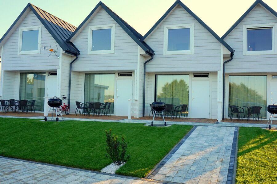 Ferienhäuser Jedes mit einer Terrasse