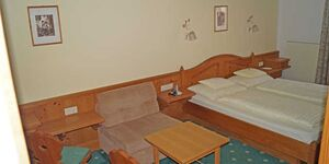 Hotel Sonne, Doppelzimmer mit Balkon und Halbpension in St. Johann in Tirol - kleines Detailbild