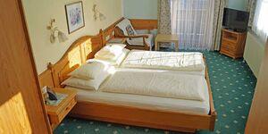 Hotel Sonne, Doppelzimmer drittes Bett möglich mit Frühstück in St. Johann in Tirol - kleines Detailbild