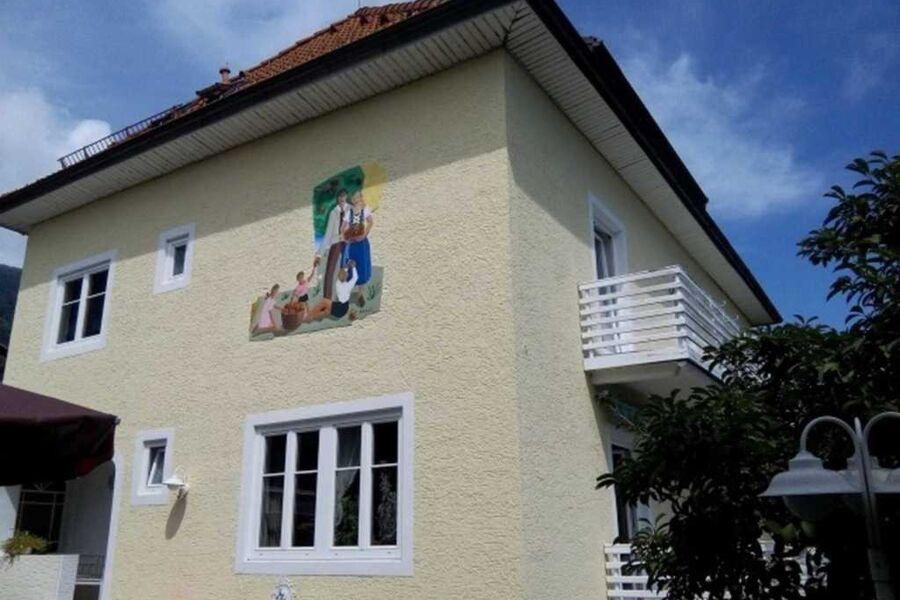 Haus Iskric, Garconniere