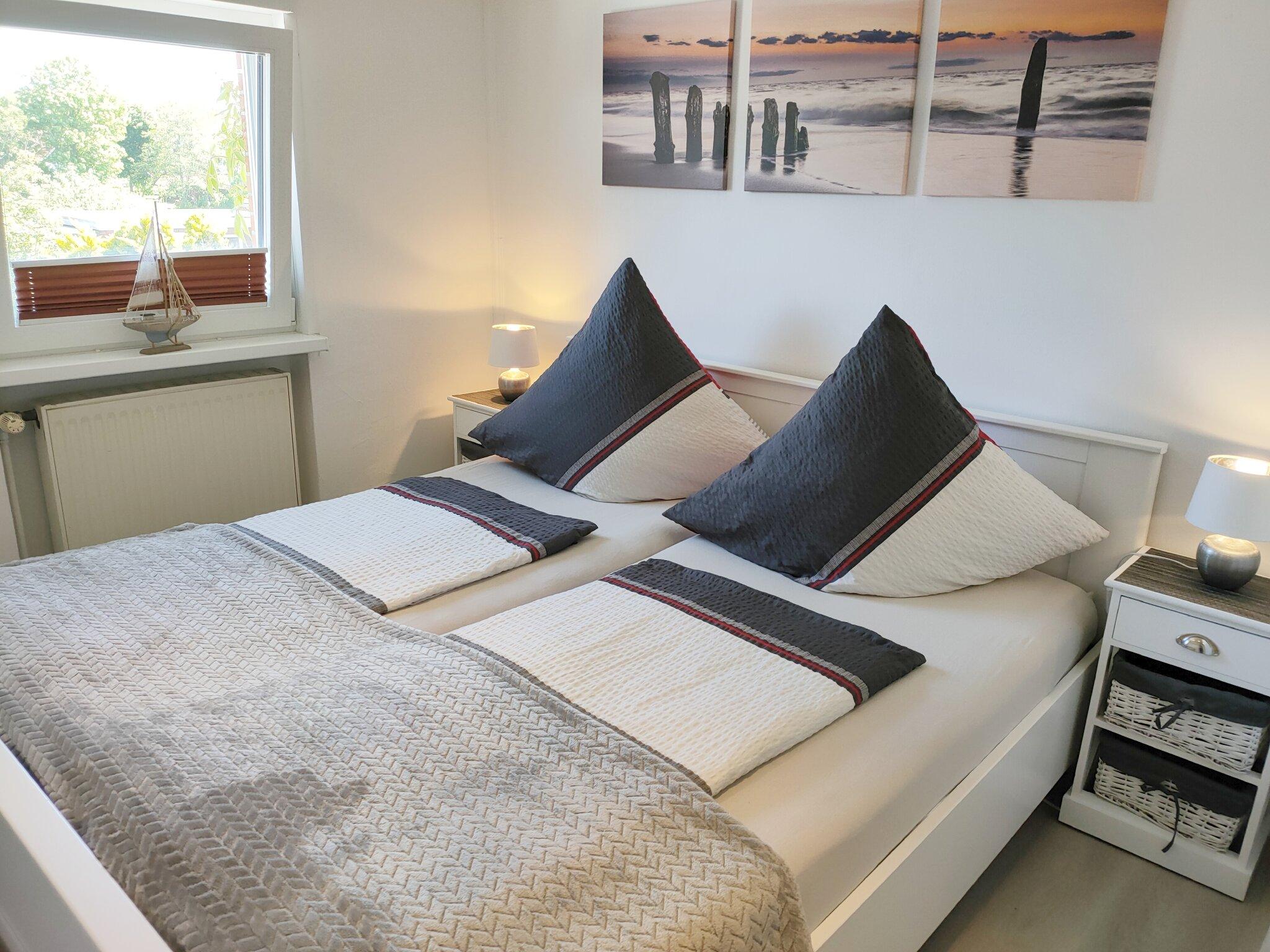 zu den nordseeinseln ii ferienwohnung s deroog in norddeich niedersachsen gisela liebetrau. Black Bedroom Furniture Sets. Home Design Ideas