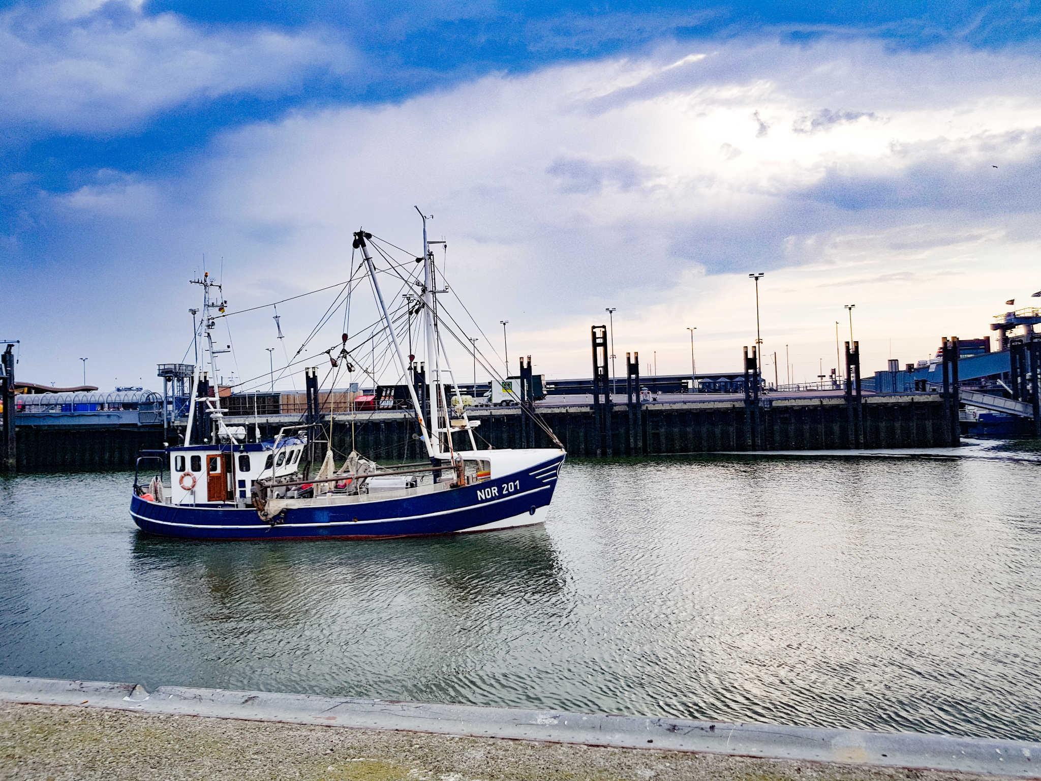 Fischkutter im Norddeicher Hafen