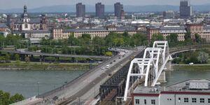 Ludwigshafen City. einen gigantischen Blick auf die Stadt, gigantischer Blick in Ludwigshafen am Rhein - kleines Detailbild