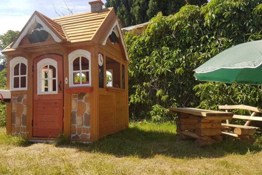 Ferienhaus mit 3 Ferienwohnungen je 2 Etagen  (Kai