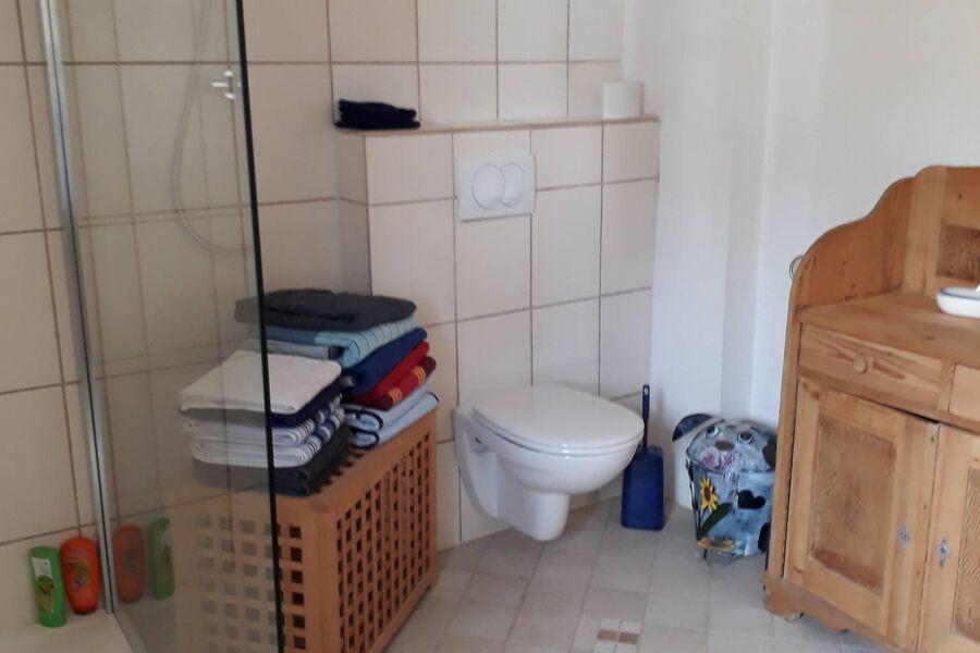 Badezimmer mittlere Etage