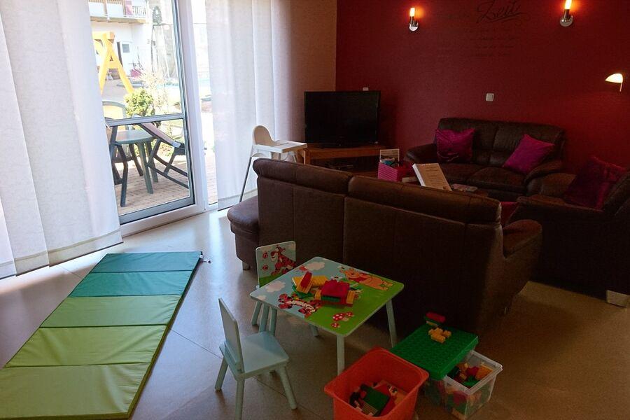 Küche mit Essbereich im Haus Brumbär