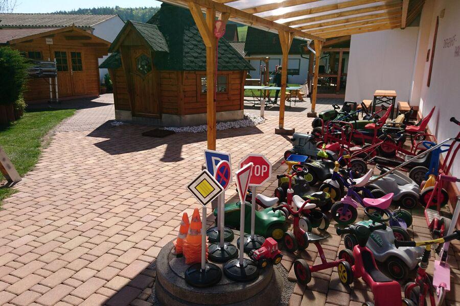 Spielplatz vor Ferienhaus Brumbär