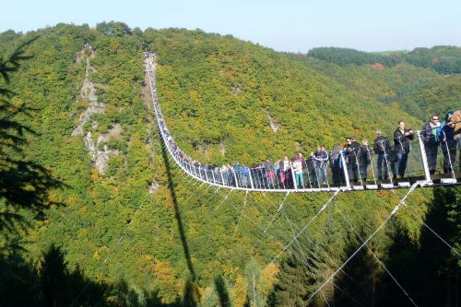 Längste Hängebrücke Deutschlands(L=360m)