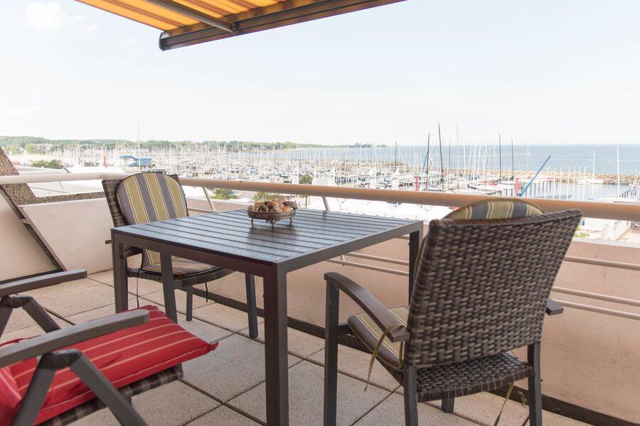 Blick vom Balkon auf den Strander Hafen