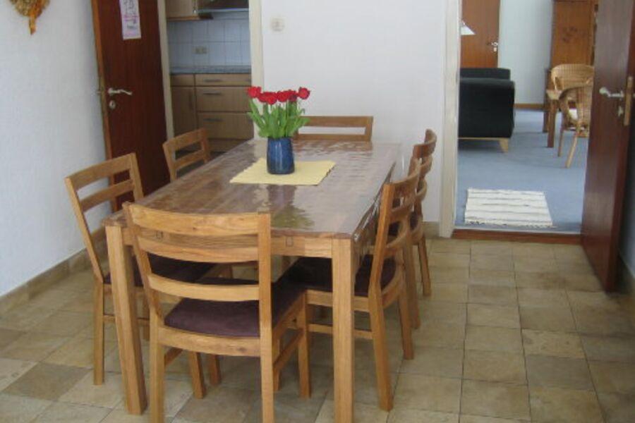Das Esszimmer ...mit ausziehbarem Tisch