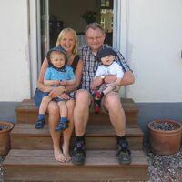 Vermieter: Famili v. Rumohr
