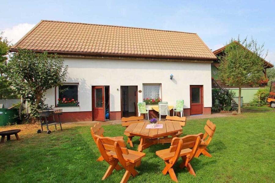 Ferienhaus mit Terrasse und Sitzecke