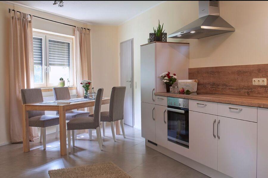 Essbereich in der geräumigen Küche