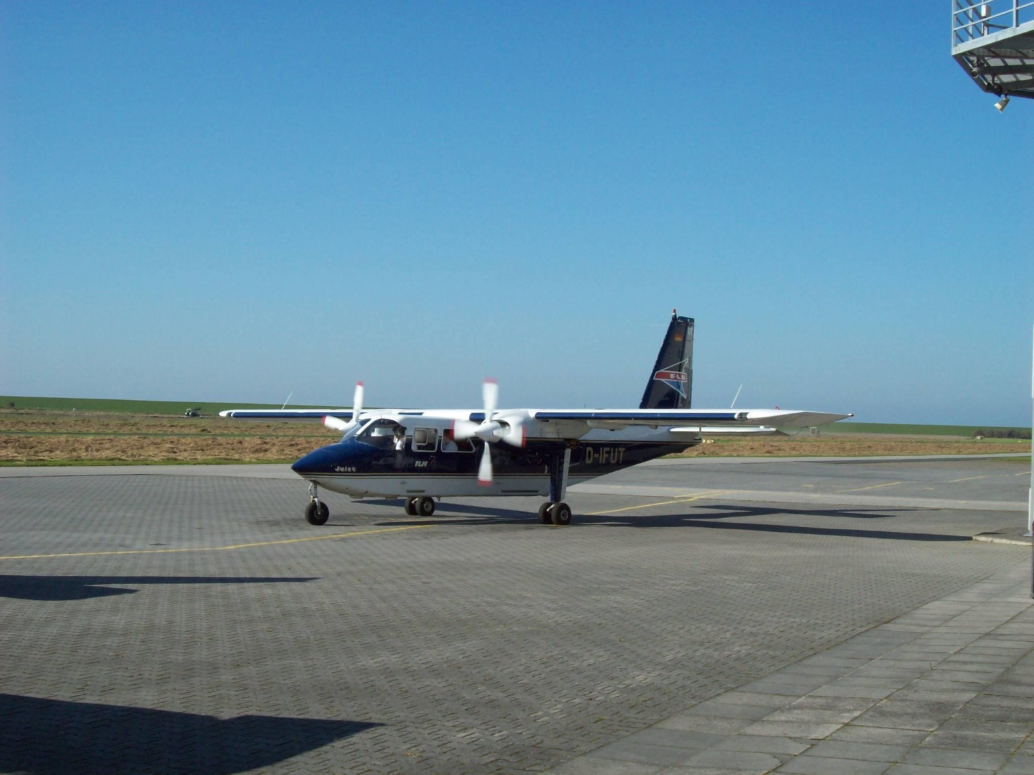 BN Islander Flugplatz Norddeich