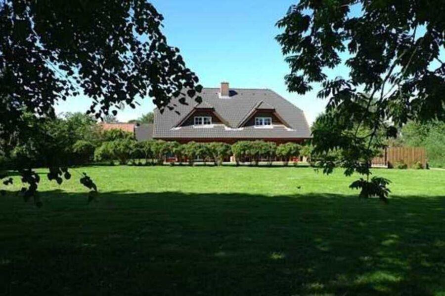 Landhaus an der Au mit Terrassenansicht
