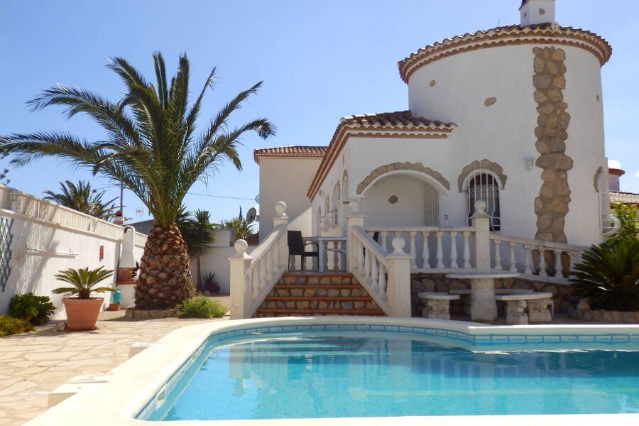 Villa mit Klim und Pool