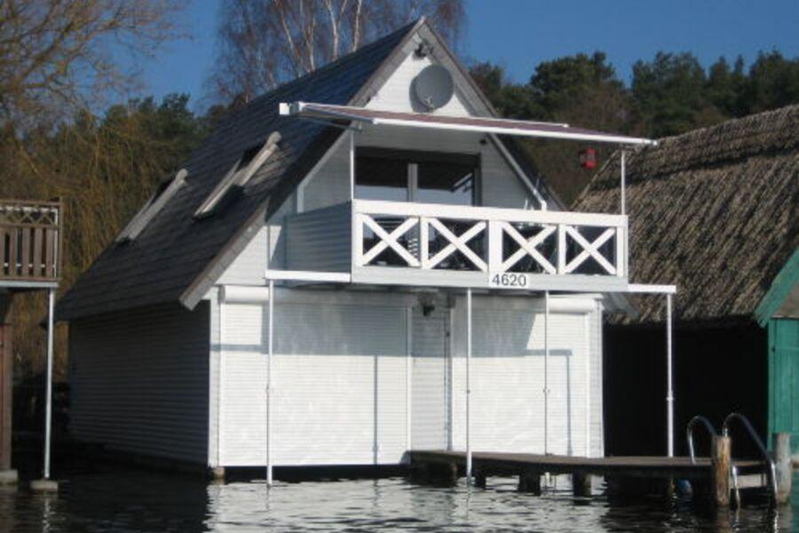 Bootshaus im Frühjahr