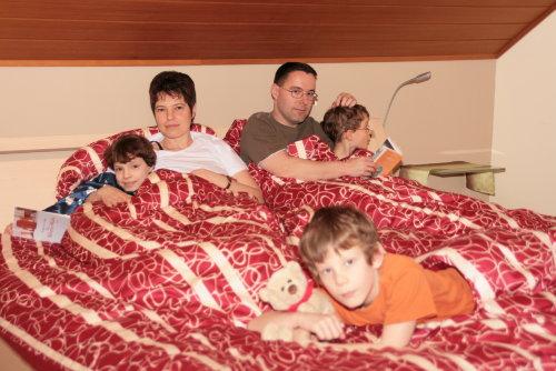 Elternschlafzimmer 220 cm langes Bett
